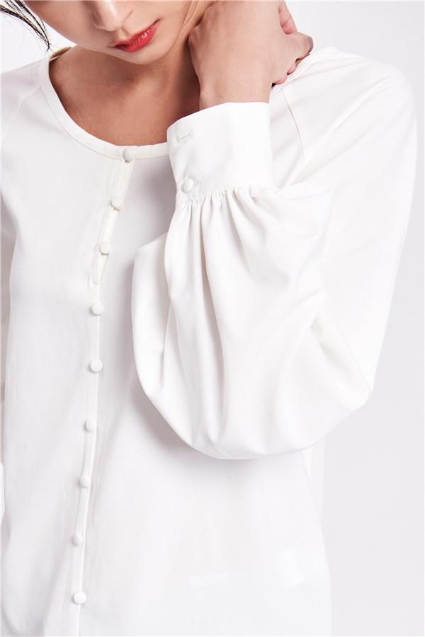 純白氣質排扣上衣