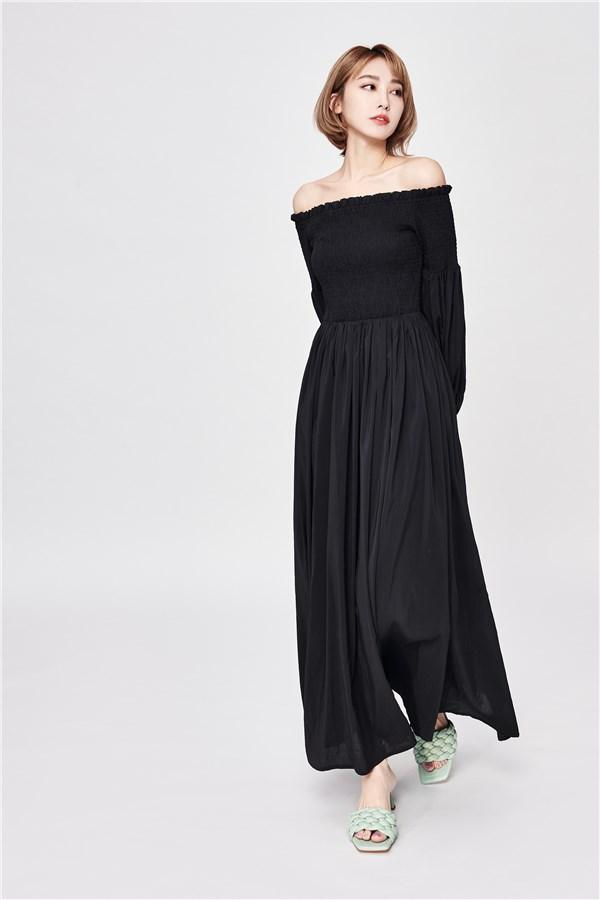 黛黑一字領蓬袖長洋裝