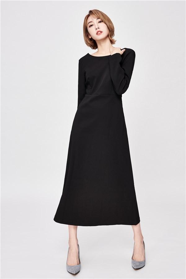 暗藏玄機美背長洋裝